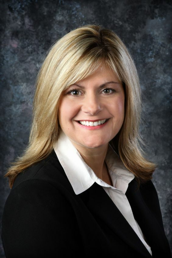 Kerri Miller, Broker - Licensed in Oregon in Lake Oswego, Windermere