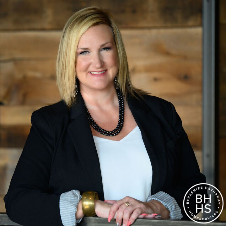 Michelle Serna, Managing Broker in Lafayette, BHHS Indiana Realty