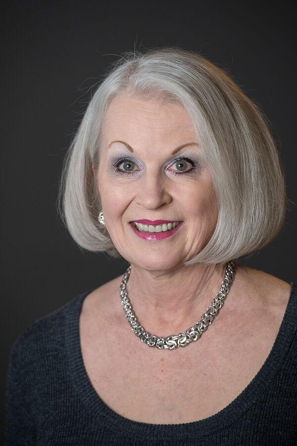 Christi Lawrence, Broker - Licensed in Oregon in Lake Oswego, Windermere