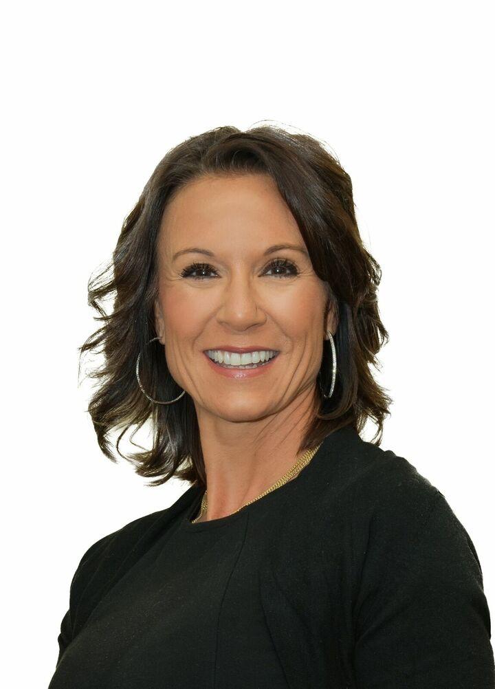 Michelle L Warner