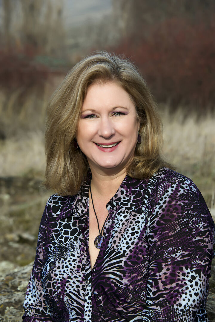 Connie Thomasian, Broker in The Dalles, Windermere