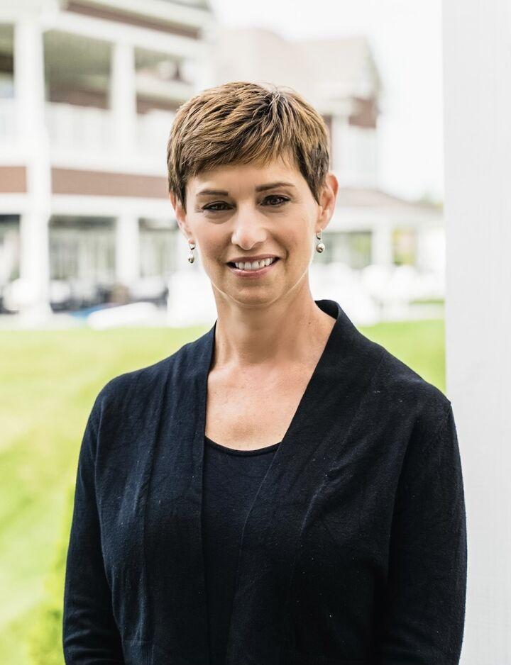 Lisa Moos, Sales Associate in Carmel, BHHS Indiana Realty