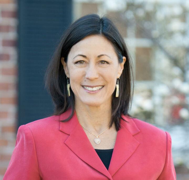 Linda Santos, NYS LICENSED REAL ESTATE SALESPERSON - #40SA1150031 in Ithaca, Warren Real Estate