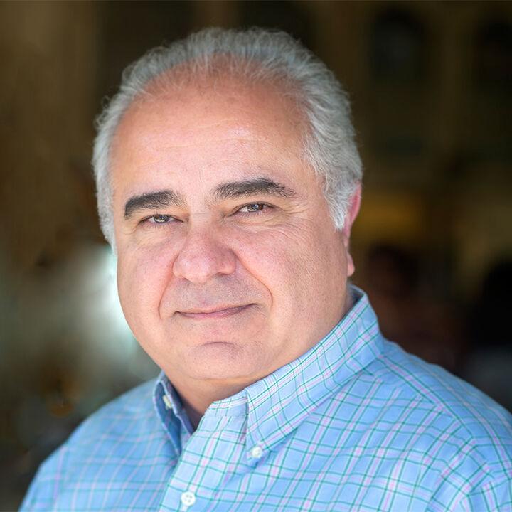 Kevin Maalizadeh,  in Encino, Pinnacle Estate Properties